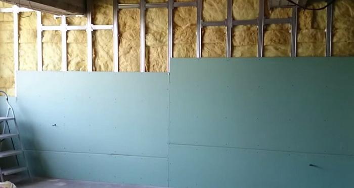Утепление стен изнутри гипсокартоном своими руками видео