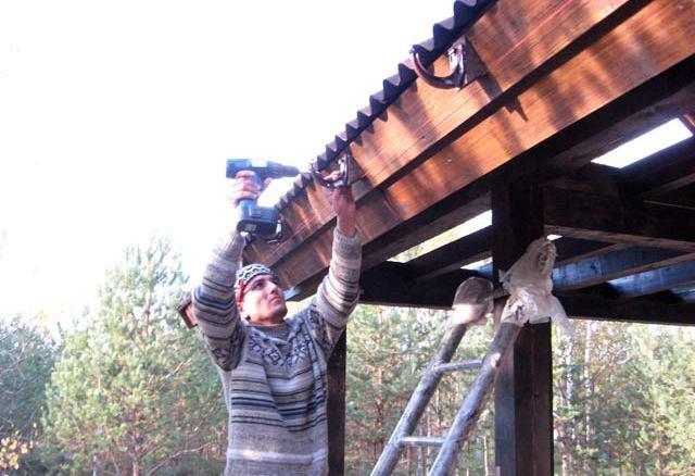 Сделать слив с крыши своими руками