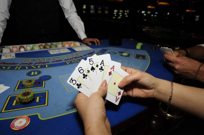 покер казино онлайн русский