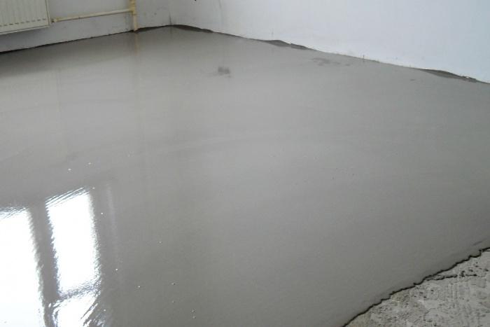 Выравнивание бетонной стяжки.