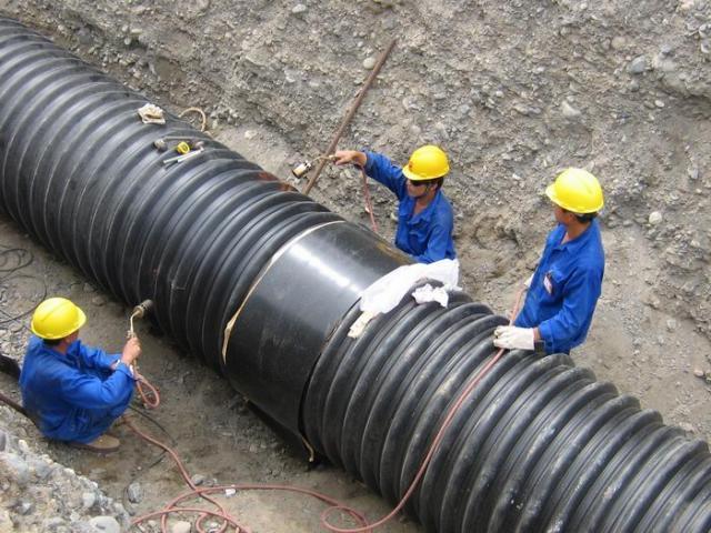 Монтаж гофрированного трубопровода